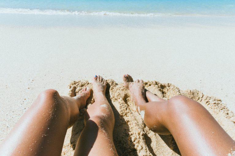 Pri vsaki poletni aktivnosti na prostem je naša koža podnevi enako izpostavljena soncu, kot če bi se sončili.