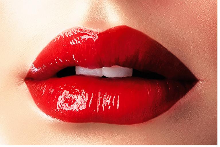 Na naši kliniki uporabljamo najkakovostnejša polnila za ustnice s hialuronsko kislino Juvederm, Restylane in Belotero.