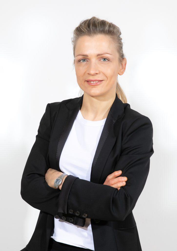 Urša Fratnik Florijančič, dr. med, specialistka dermatovenerologije na Kliniki Božikov